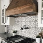 20 Best Farmhouse Kitchen Backsplash Decor Ideas (14)
