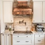 20 Best Farmhouse Kitchen Backsplash Decor Ideas (15)