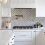 20 Best Farmhouse Kitchen Backsplash Decor Ideas (6)