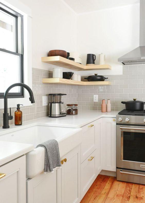 20 Best Farmhouse Kitchen Cabinets Decor Ideas (15)