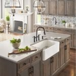 20 Best Farmhouse Kitchen Cabinets Decor Ideas (7)