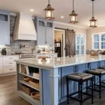 20 Best Farmhouse Kitchen Lighting Decor Ideas (12)