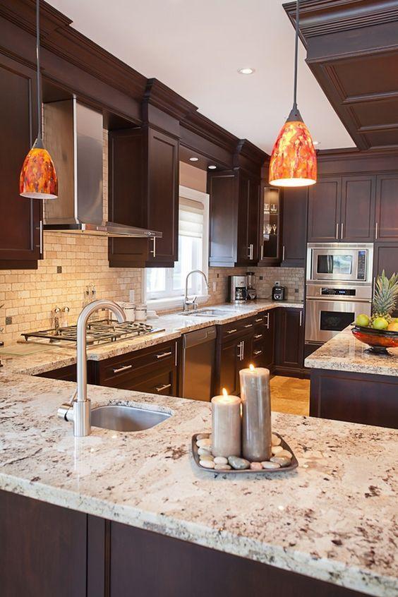20 Best Farmhouse Kitchen Lighting Decor Ideas (19)