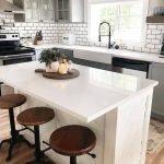 20 Best Farmhouse Kitchen Lighting Decor Ideas (9)