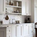 20 Best Farmhouse Kitchen Sink Decor Ideas (14)