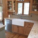 20 Best Farmhouse Kitchen Sink Decor Ideas (19)