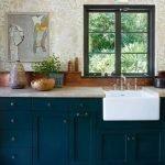 20 Best Farmhouse Kitchen Sink Decor Ideas (9)