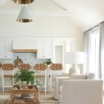 20 Best Farmhouse Living Room Decor Ideas (15)