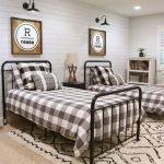 20 Best Industrial Farmhouse Bedroom Decor Ideas (2)
