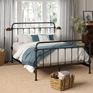 20 Best Industrial Farmhouse Bedroom Decor Ideas (5)