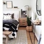 20 Best Industrial Farmhouse Bedroom Decor Ideas (7)