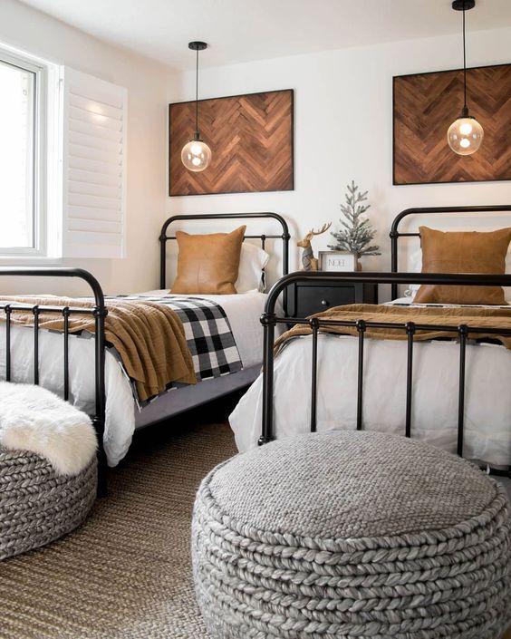 20 Best Industrial Farmhouse Bedroom Decor Ideas (8)