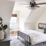 20 Best Industrial Farmhouse Bedroom Decor Ideas (9)