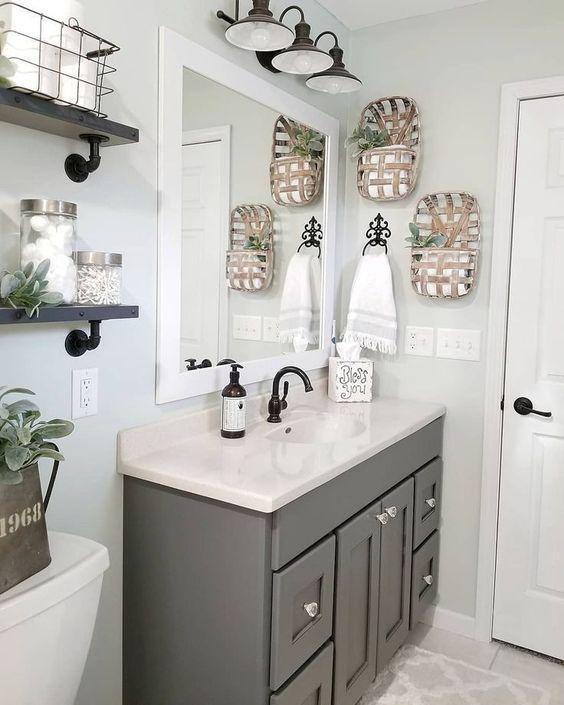 20 Best Small Farmhouse Bathroom Decor Ideas (19)