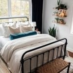 20 Best Small Farmhouse Bedroom Decor Ideas (10)