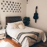 20 Best Small Farmhouse Bedroom Decor Ideas (4)