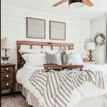 20 Best Small Farmhouse Bedroom Decor Ideas (9)