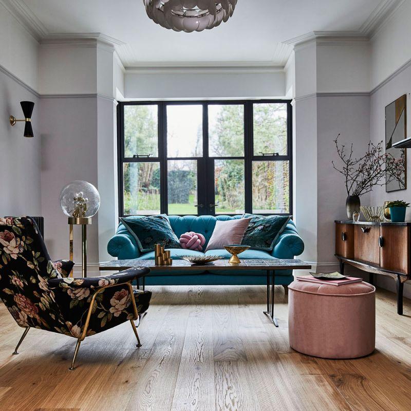Cool Room Design With Wooden Floor